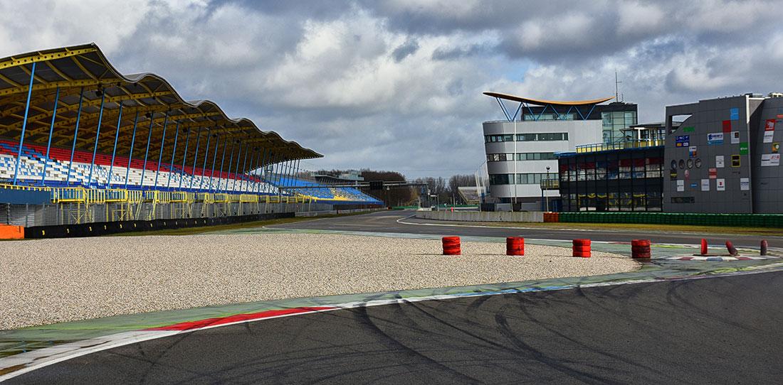 GT-bocht TT Circuit Assen © H. de Jong
