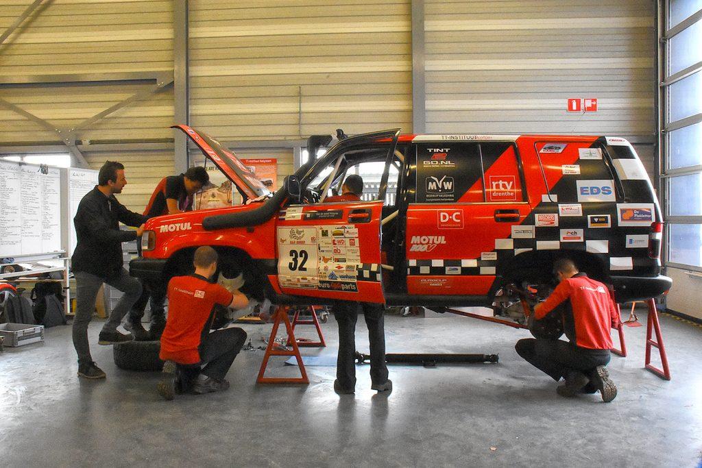 Een Happy Smile voor het TT-Instituut Rally Team